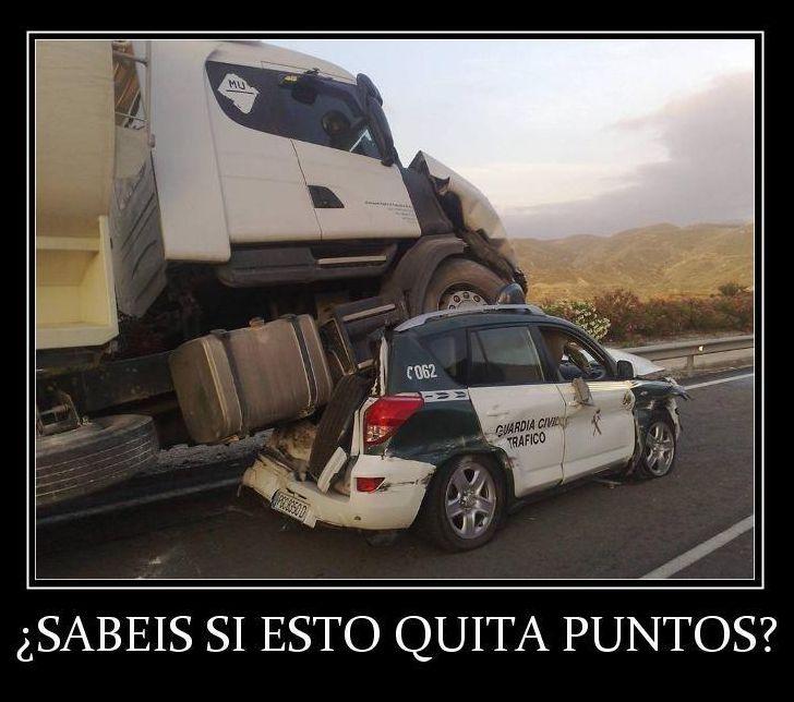 camion encima de coche guardia civil sabeis si esto quita puntos