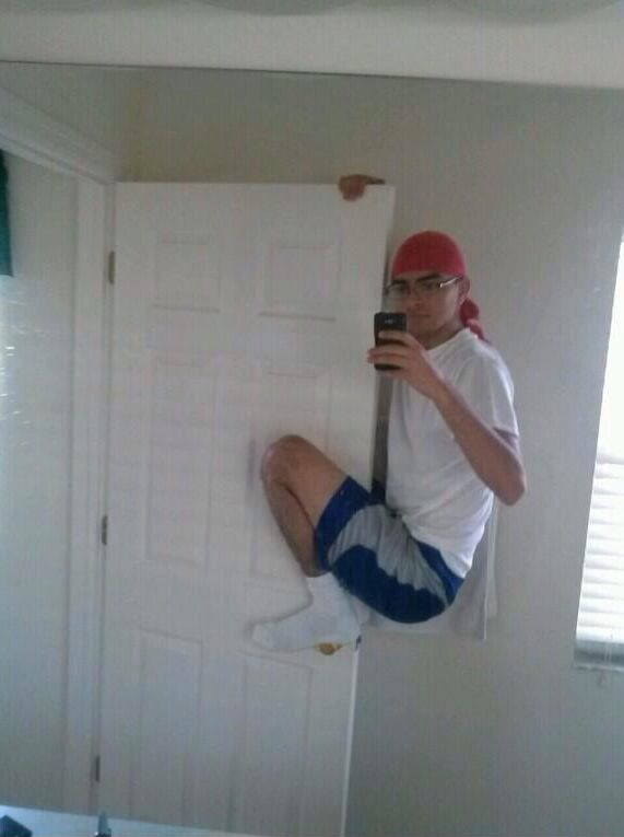 Selfie subido a la puerta