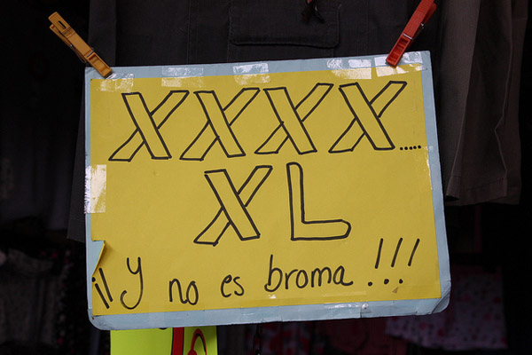cartel XXXXXL y no es broma