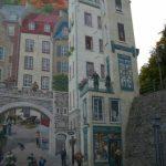 Fachada pintada – Calle y casas