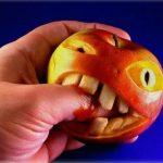 La manzana carnívora