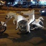 Cada uno personaliza su moto como quiere…