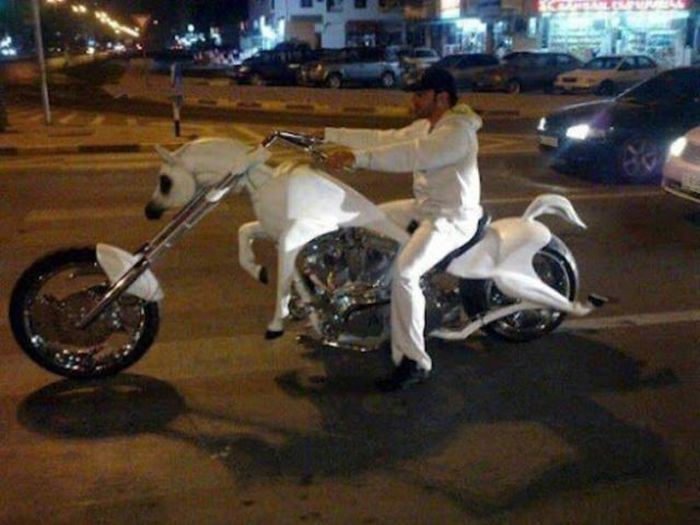 Cada uno personaliza su moto como quiere...