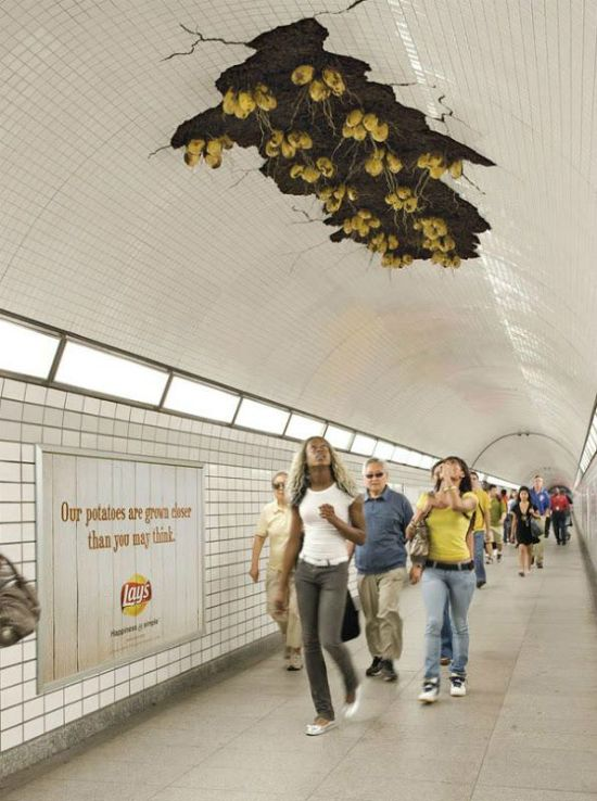 publicidad creativa plantacion en el techo del metro