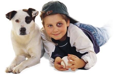 Parecidos razonables - Niño y mascota