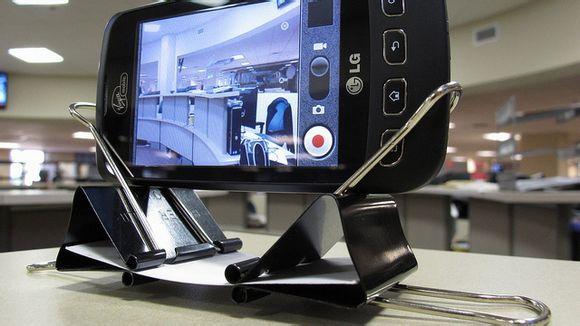 soporte para smartphones con clips