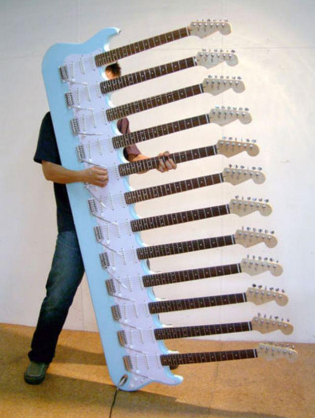 Guitarra eléctrica de 12 mástiles