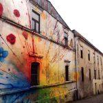 Fachada pintada – Colores y flores