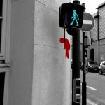 El muñeco rojo del semáforo se cansó de esperar