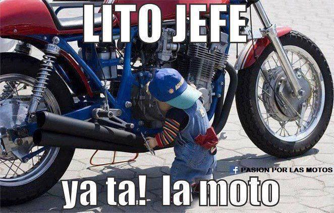 bebe arreglando moto lito jefe ya ta la moto