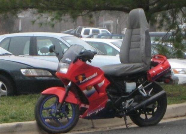 moto con sillon de coche