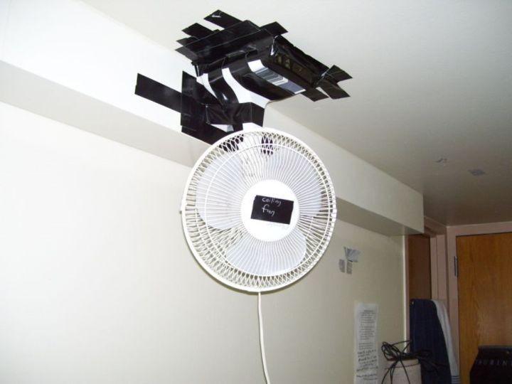 ventilador de mesa convertido en de techo con cinta aislante