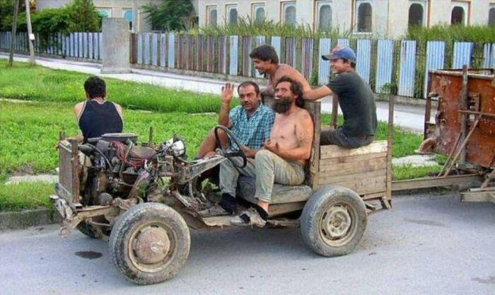 coche cutre cuatro plazas sin carroceria