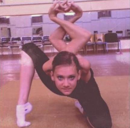 contorsionista wtf brazos