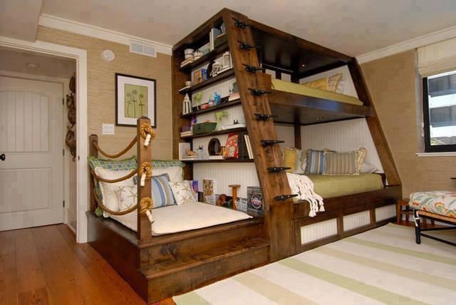 litera y sofa decorativos