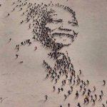 Retrato de Nelson Mandela… ¡con personas!
