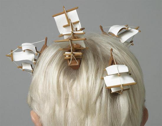 Adam Niklewicz - Barcos en cabello