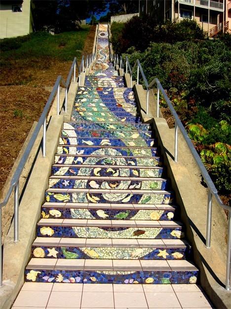 Arte urbano - escalera pintada