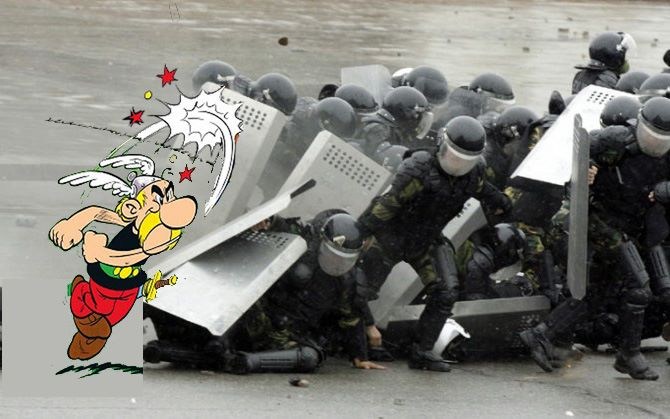Asterix vs antidisturbios