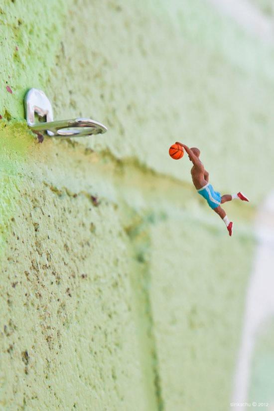 baloncesto en miniatura con anilla de lata