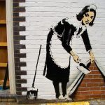 Graffiti Bansky – Escondiendo el polvo