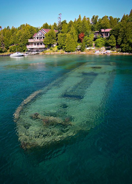 Barco hundido en Canadá