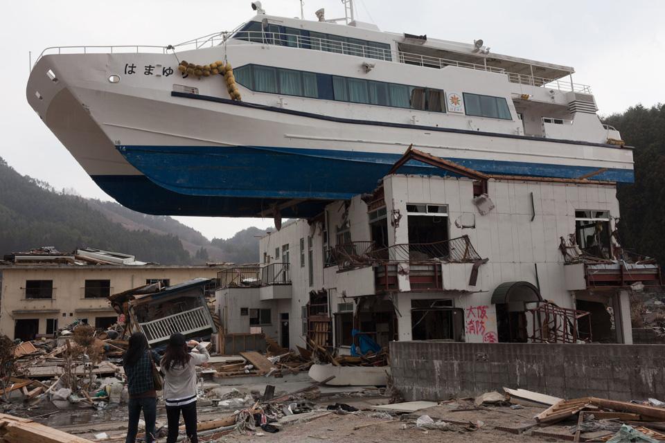 Parking de barcos tras un tsunami