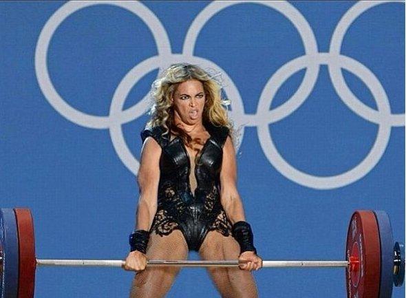 Beyoncé Superbowl - Levantando pesas