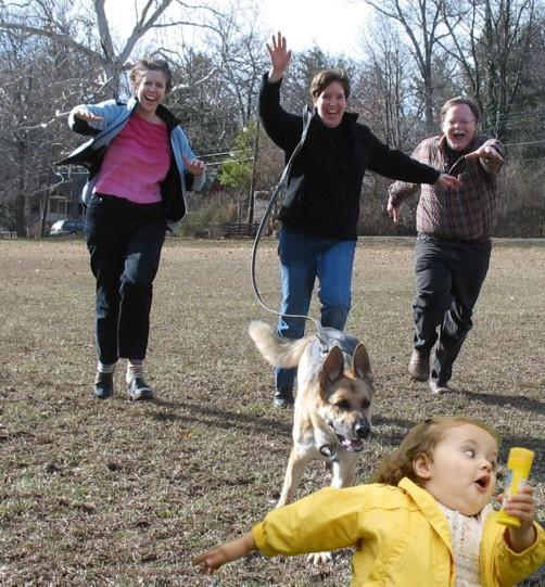 Bubble Girl - Escapando de pastor alemán