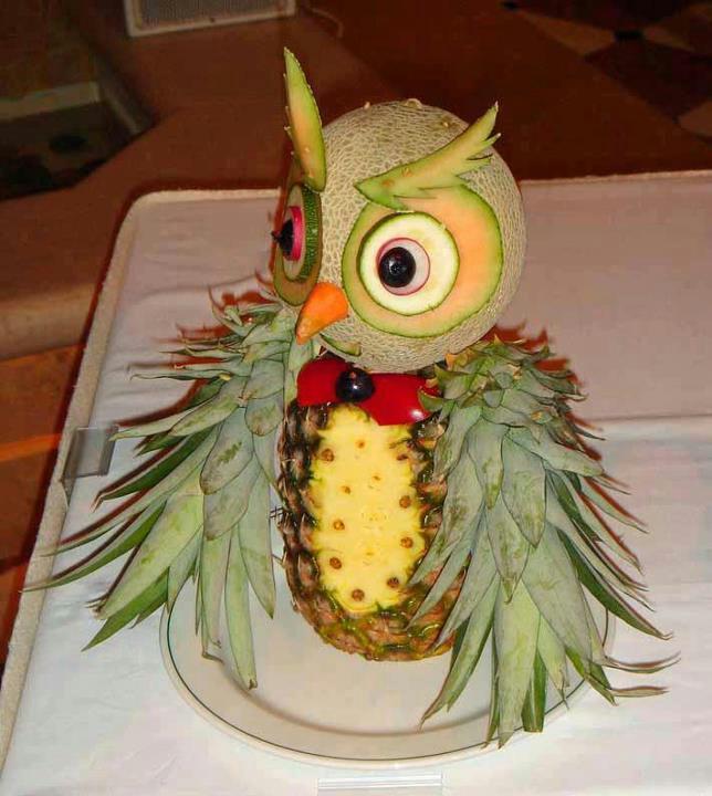 Búho de frutas