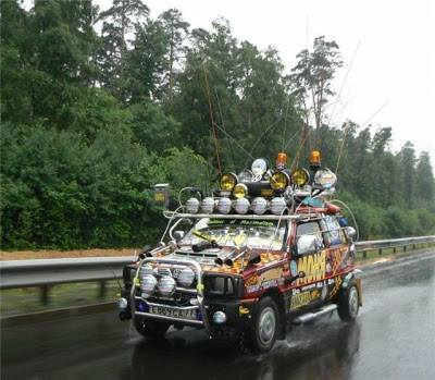 coche-lleno-de-focos