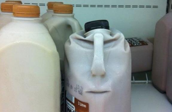 Cosas que parecen caras - Botella enfadada