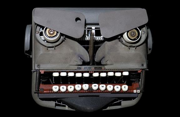 Cosas que parecen caras - Máquina de escribir enfadada