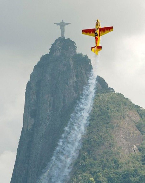 cristo de corcovado avioneta imitando