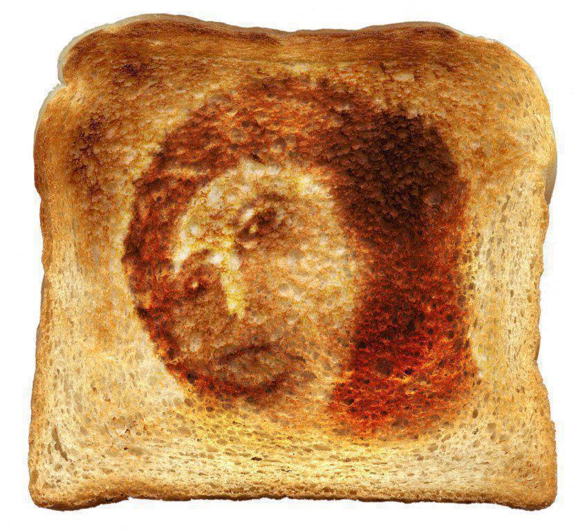 Hallada una tostada milagrosa en la que aparece la cara del ecce homo restaurado