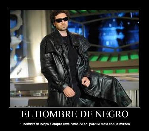 Gafas Lleva Mata De El Con La Siempre Hombre Porque Sol Negro 4AL53jR