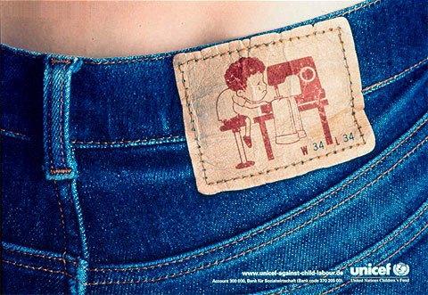 etiqueta pantalones vaqueros - niño cosiendo