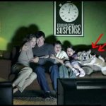Familia viendo una peli de terror