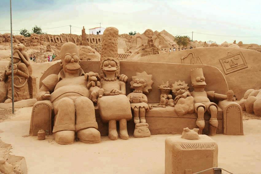 Los Simpson en arena