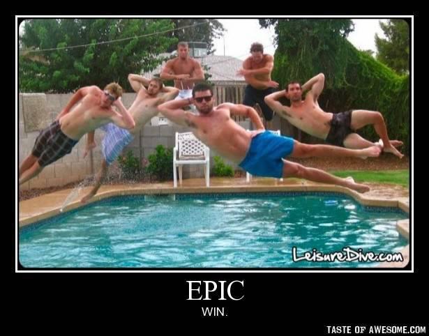 foto chicos tirandose a la piscina - epic win