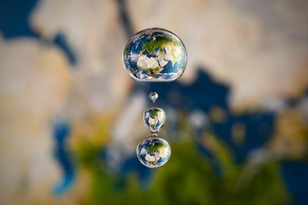 Mapa en gota de agua