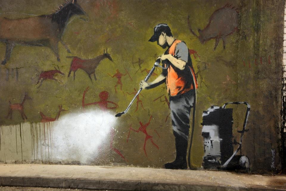 graffiti-eliminando-pinturas-rupestres