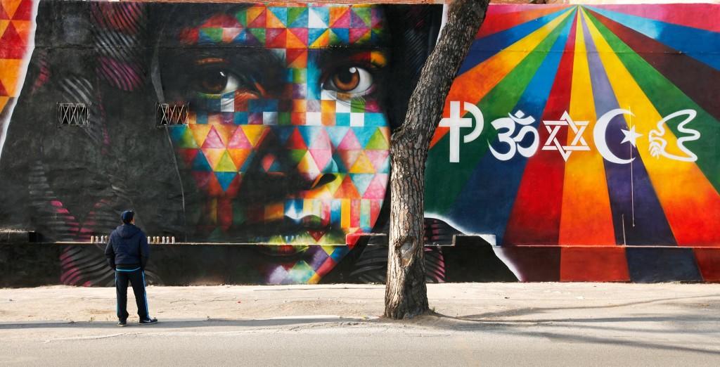 graffiti rostro niña colores arabe