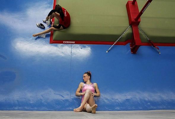Ilusiones ópticas - atletas sentadas