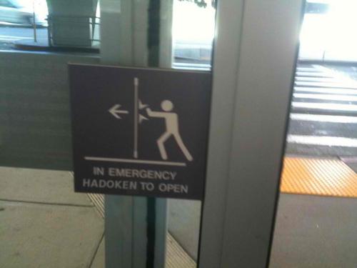 Puerta: In emergency Hadoken to open