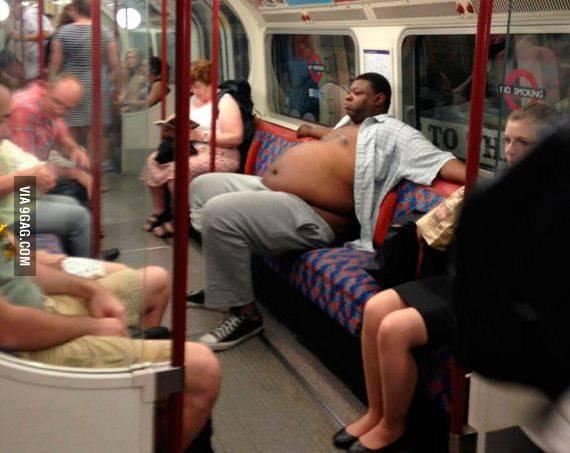 A sus anchas en el metro