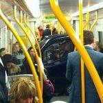 Mini coche en el metro