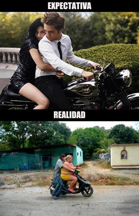 montado en moto con chica - expectativa realidad crepusculo