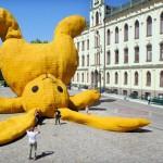 Arte urbano – Conejo bocabajo