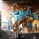 Mural – Bestia saliendo de la tierra